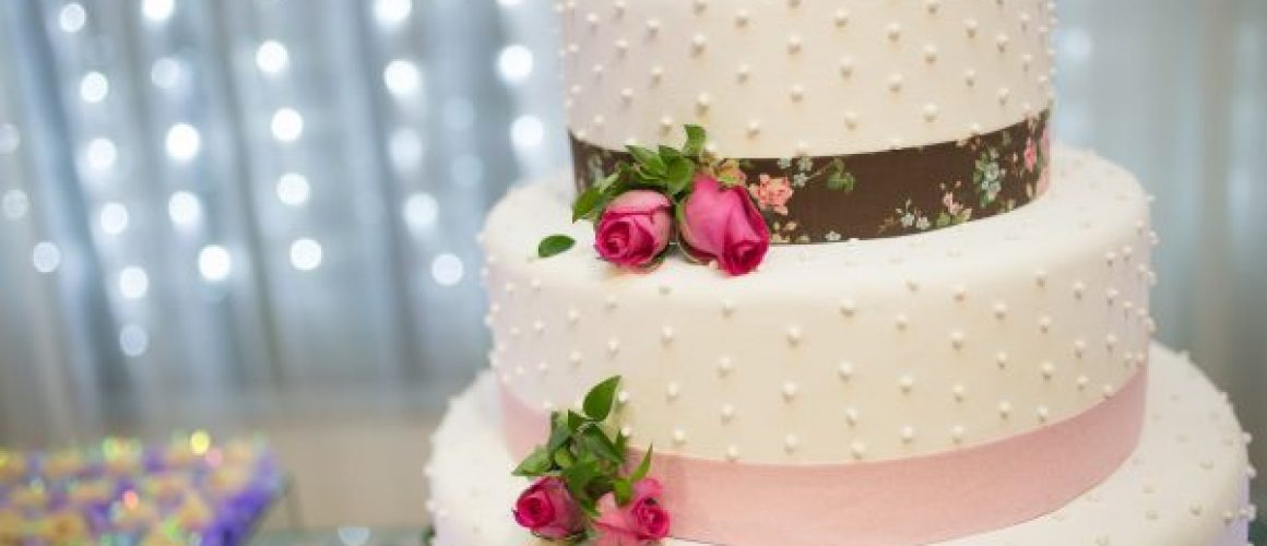 plan your perfect wedding cake