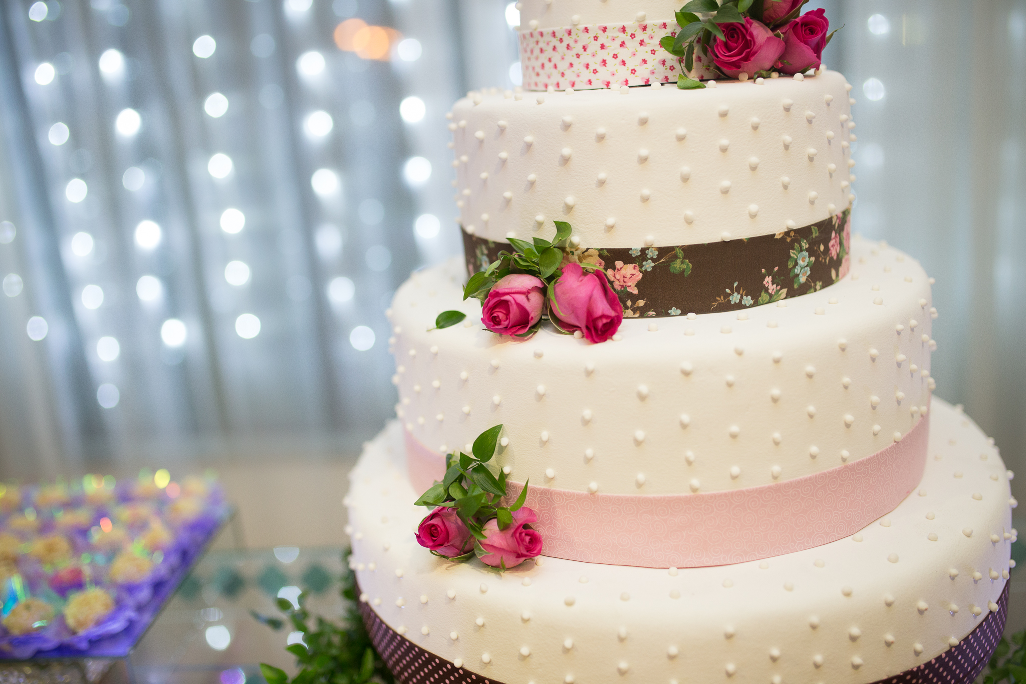 plan your perfect wedding cake